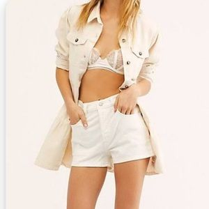 Levi's 501 Distressed  Cream shorts size 27 NWT